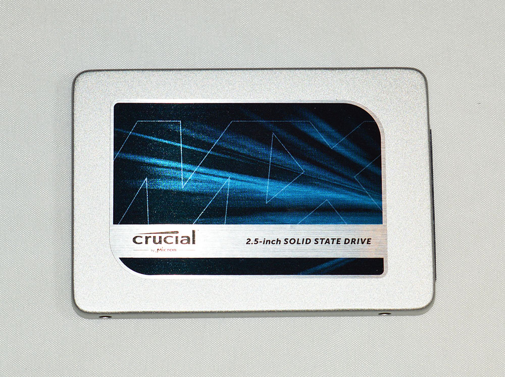 Crucial_MX300_pht6