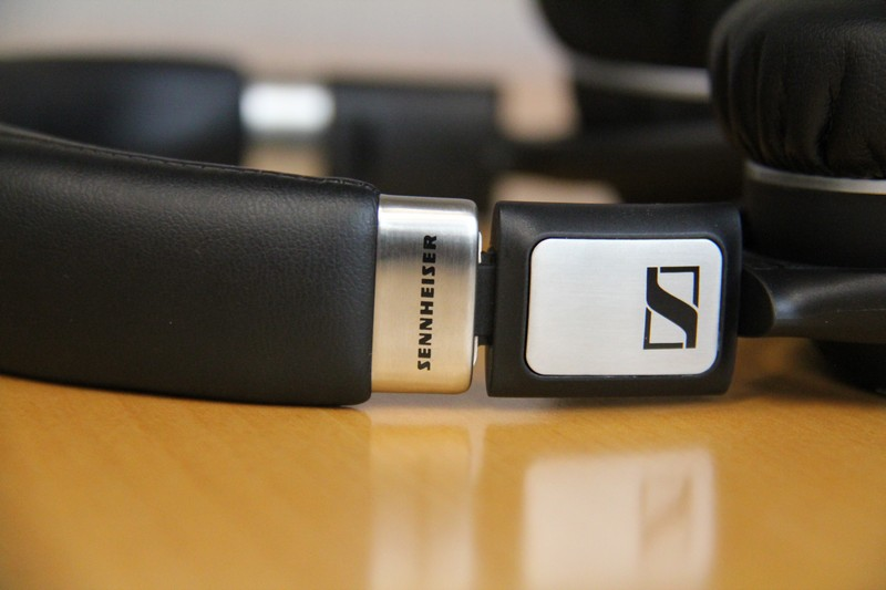 how to connect sennheiser 550 wireless headphones