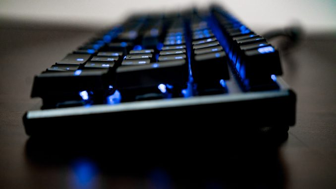 roccat suora fx gaming keyboard review funkykit. Black Bedroom Furniture Sets. Home Design Ideas