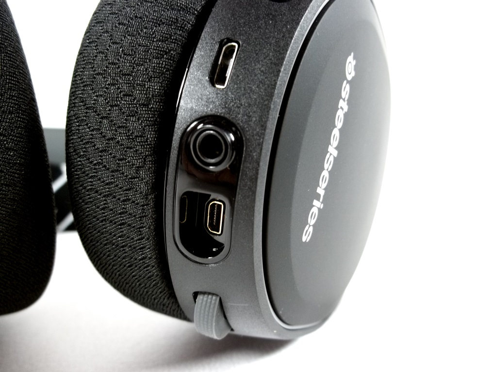 steelseries arctis 3 bluetooth headset review page 4 of 6 funkykit. Black Bedroom Furniture Sets. Home Design Ideas