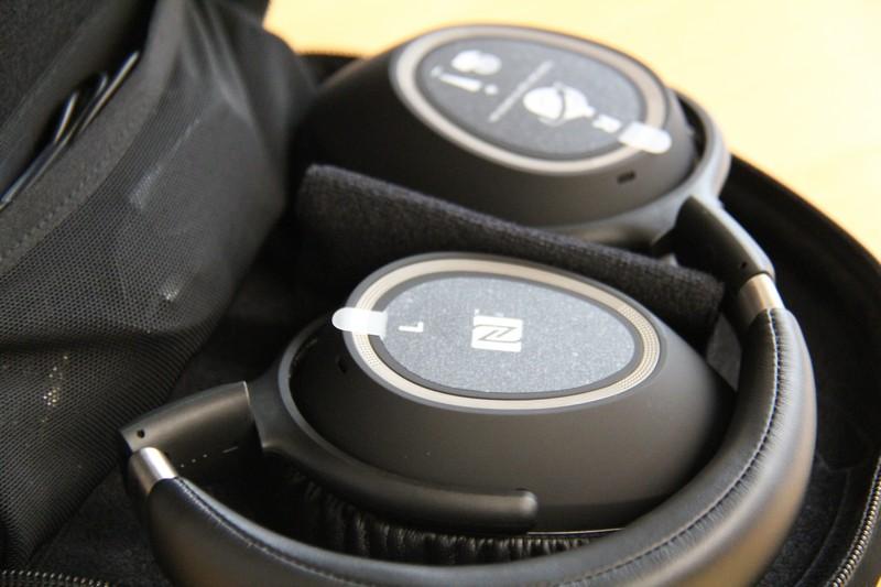 how to connect sennheiser 550 wireless headphones